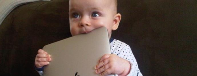 La tablette : un outil du quotidien de la jeune génération.